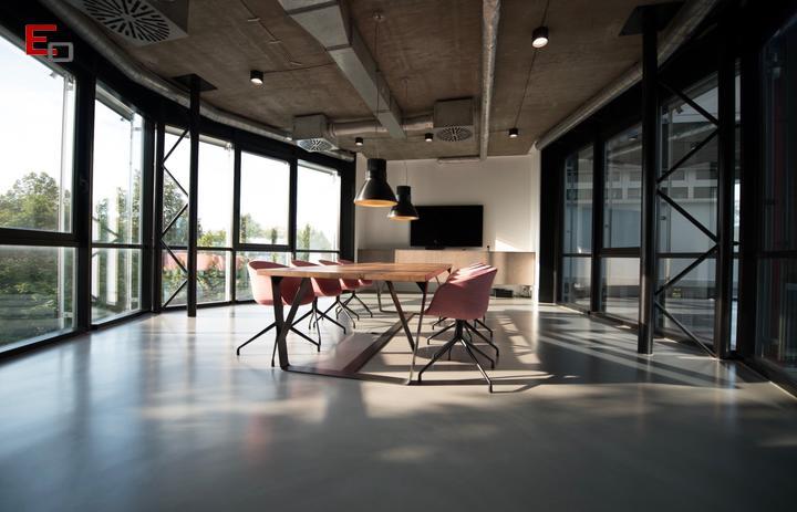 Oficinas minimalistas: ¡Toma nota de estos ejemplos!