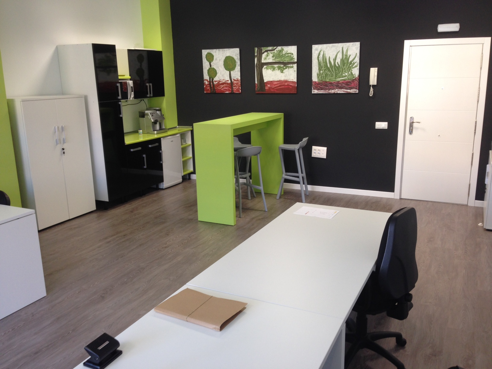 Reforma integral de 60m2 de oficina para solicom for Oficinas delegadas de muface en madrid